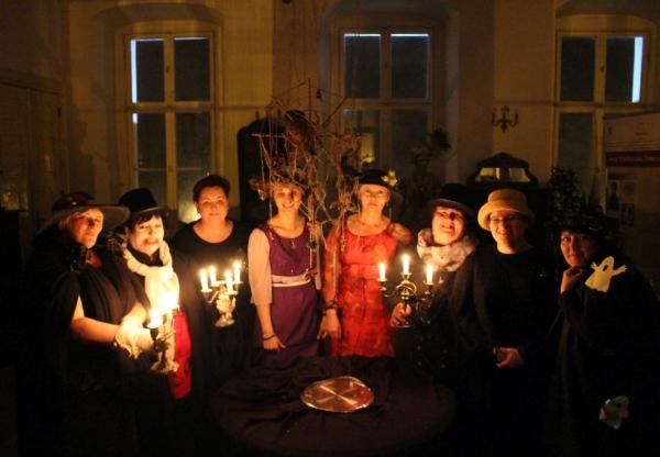 """Duchy, wróżki, czarownice i …krasnale, czyli co się pojawia podczas  """"Nocy w Bibliotece""""."""