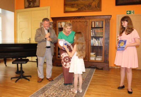 Koncert laureatów Polonijnego Festiwalu Piosenki.